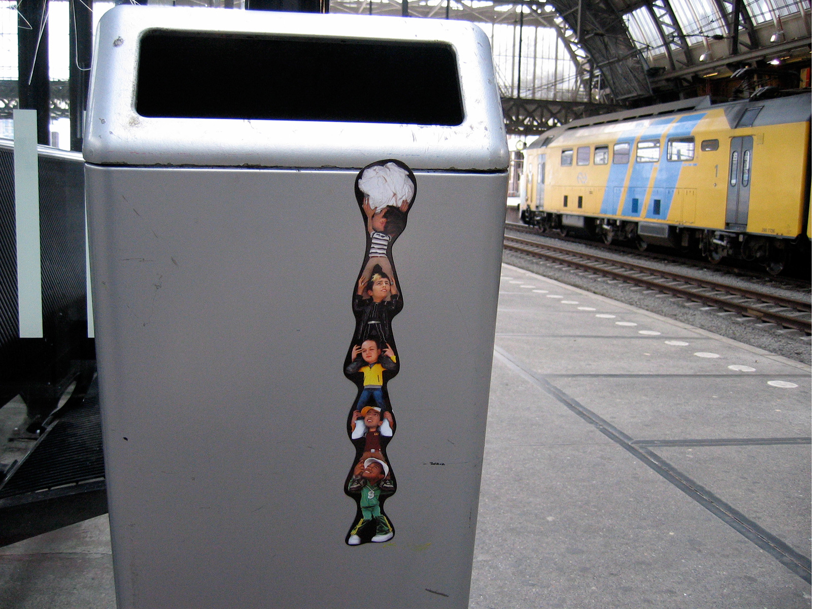 NS-sticker2